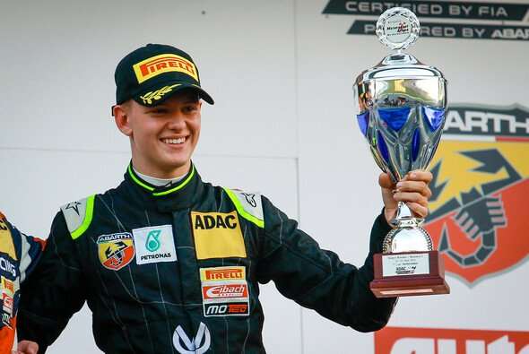 Mick Schumacher startet bei Stars & Cars - Foto: ADAC Formel 4