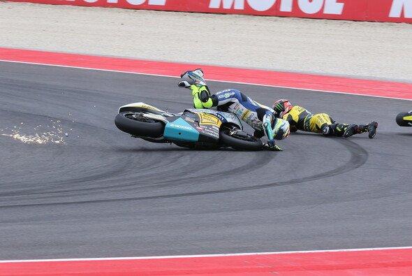 Nach seinem Crash in Aragon ist Dominique Aegerter schwer verletzt - Foto: Tobias Linke