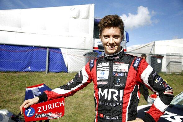 Jeffrey Schmidt startet erneut in zwei Porsche-Rennserien - Foto: Alexander Trienitz