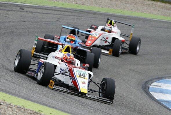 Joey Mawson siegt beim Saisonfinale - Foto: ADAC Formel 4
