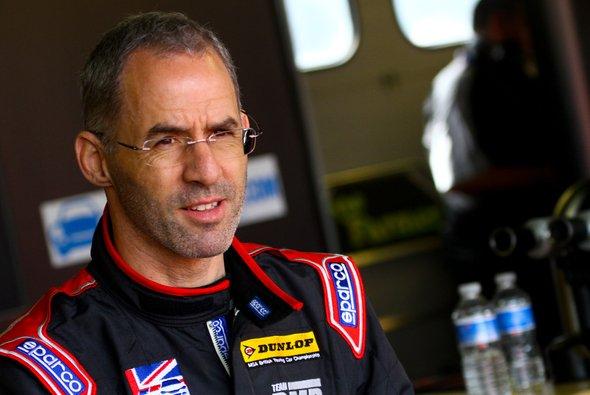 Alain Menu wird in Asien für Subaru an den Start gehen - Foto: TCR