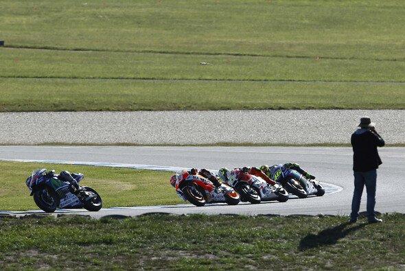 Die MotoGP-Stars lieferten auf Phillip Island ein unglaubliches Spektakel - Foto: Repsol