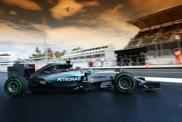 Rosberg holt sich beim Mexiko-Comeback die Pole - Foto: Mercedes-Benz