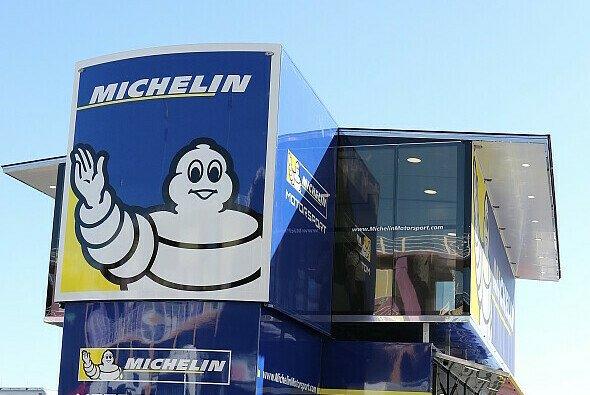Kurz nach dem Finale geht es in Valencia schon wieder zum Teste der Michelin-Reifen auf die Strecke - Foto: Tobias Linke