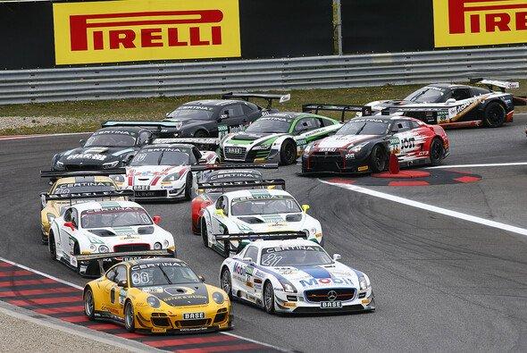 28 Supersportwagen von sieben Marken eingeschrieben - Foto: ADAC GT Masters