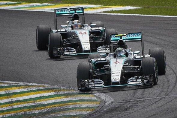 Gewinnt Nico Rosberg den Brasilien GP vor Lewis Hamilton, ist er Weltmeister - Foto: Mercedes-Benz
