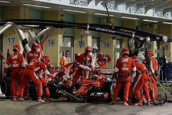 Kimi Räikkönen macht ein Päuschen. Der Finne als solcher macht das so! - Foto: Ferrari