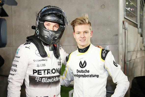 Mick Schumacher war als Gast von Mercedes ganz nah dran an der Formel 1 - Foto: Mercedes-Benz