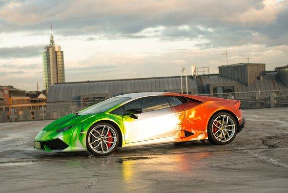 Der Lamborghini Huracán erstrahlt in ungewohntem Gewand - Foto: PRINT TECH GmbH