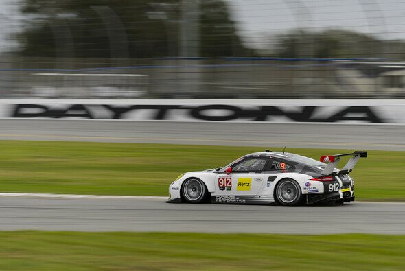 In Daytona ging die Post ab - Foto: Porsche
