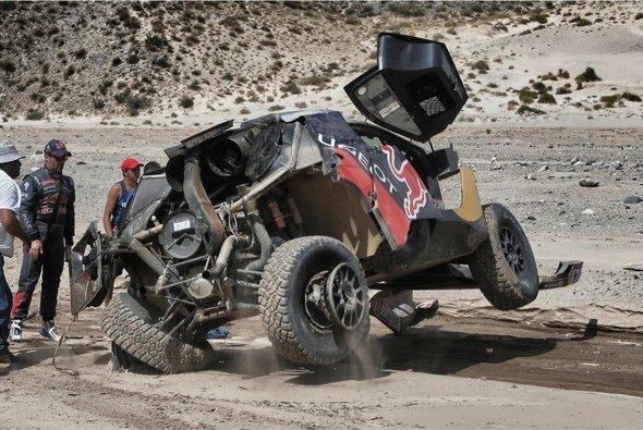 Unfassbar, dass Sebastien Loeb nach diesem Crash noch weitermachen konnte - Foto: ASO/DPPI