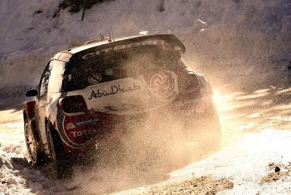Für Kris Meeke ist die Rallye Monte Carlo beendet - Foto: Abu Dhabi Total WRT