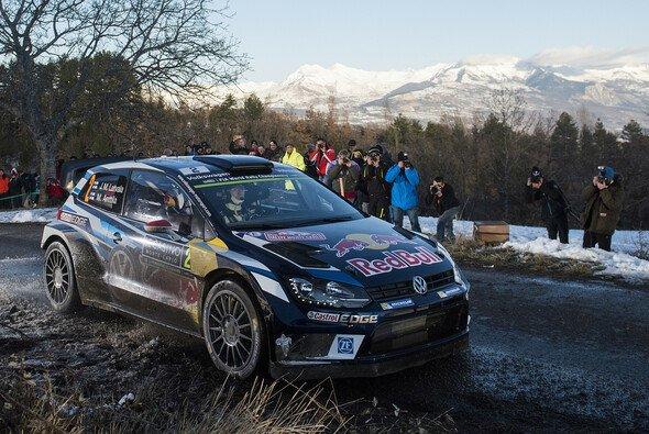Jari-Matti Latvala wurde für den Unfall mit einem Zuschauer bestraft - Foto: Red Bull