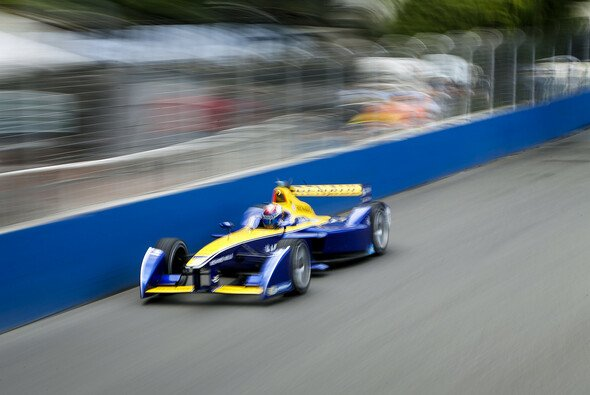 Sebastien Buemi sicherte sich in London auf unfassbare Art und Weise den Formel-E-Titel 2015/2016 - Foto: Formel E