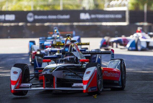 Nick Heidfeld kämpfte sich durch das Rennen in Argentinien - Foto: Formel E