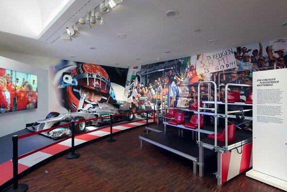 Eine Ausstellung in Marburg würdigt Michael Schumacher - Foto: DVAG