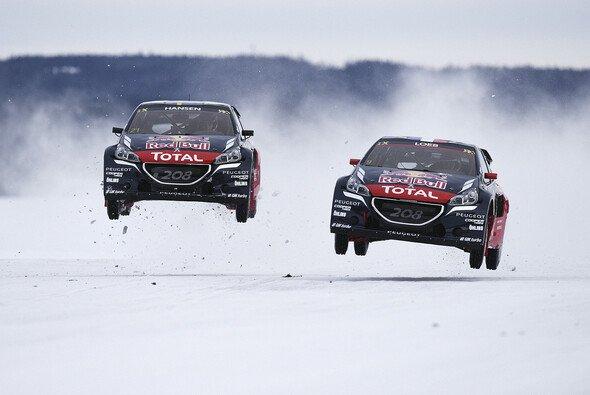 Sebastien Loeb bildet mit Timmy Hansen ein starkes Duo - Foto: Peugeot