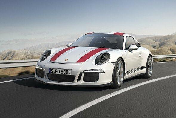 So sieht der neue 911 R aus, der in Deutschland ab Mai erhältlich ist - Foto: Porsche