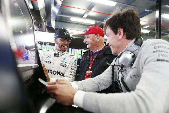 Niki Lauda will keine Regeln mehr in der Formel 1 - Foto: Mercedes-Benz