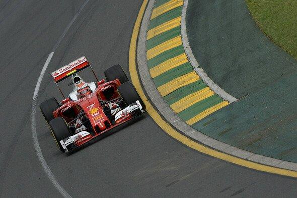 Kimi Räikkönen startet im Ferrari als Vierter in den Australien GP in Melbourne - Foto: Ferrari