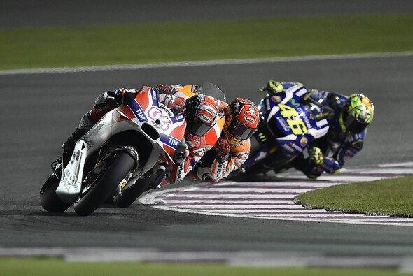 Andrea Dovizioso hielt in Katar Marc Marquez und Valentino Rossi in Schach - Foto: Ducati
