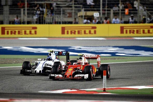 Noch weiter als auf der Strecke hinkt Williams Ferrari in Sachen Preisgeld-Boni hinterher - Foto: Ferrari