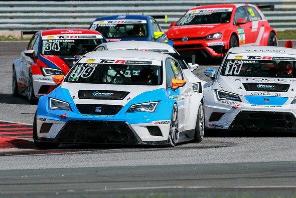 Files gewinnt auch zweites Rennen in Oschersleben - Foto: ADAC TCR Germany