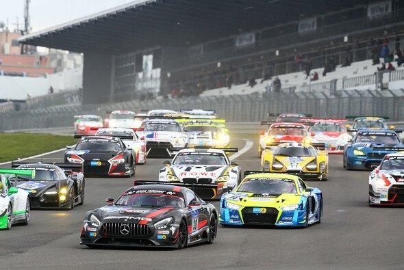 In zwei Wochen ist es soweit: die 24 Stunden vom Nürburgring stehen an - Foto: Gruppe-C GmbH