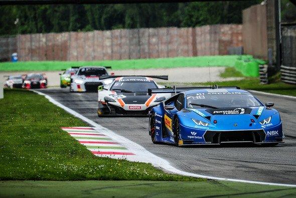 Patric Niederhauser zeigte beim Endurance-Cup der Blancpain GT Series in Monza eine tolle Aufholjagd - Foto: Olivier Beroud