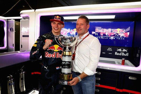 Max Verstappen ist der jüngste Rennsieger der Geschichte - Foto: Red Bull