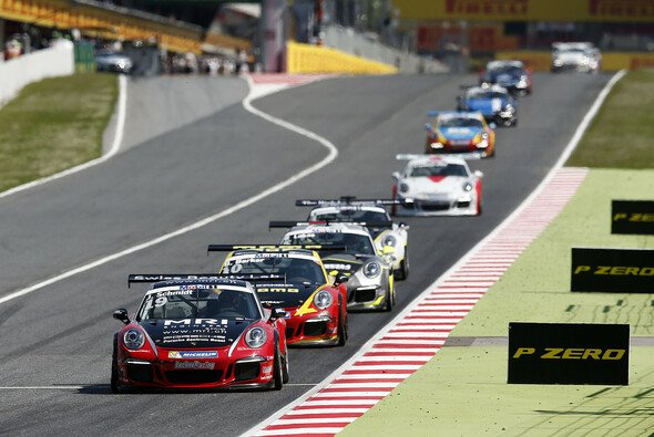 Jeffrey Schmidt startet mit Platz 6 in die neue Supercup-Saison - Foto: Porsche AG/hoch zwei