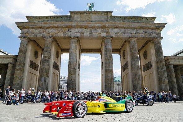 Die Formel E gastiert in Berlin - Foto: Abt