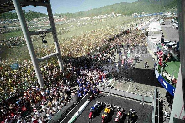 Mugello feierte trotz dem Ausfall von Valentino Rossi eine riesengroße Party - Foto: Milagro
