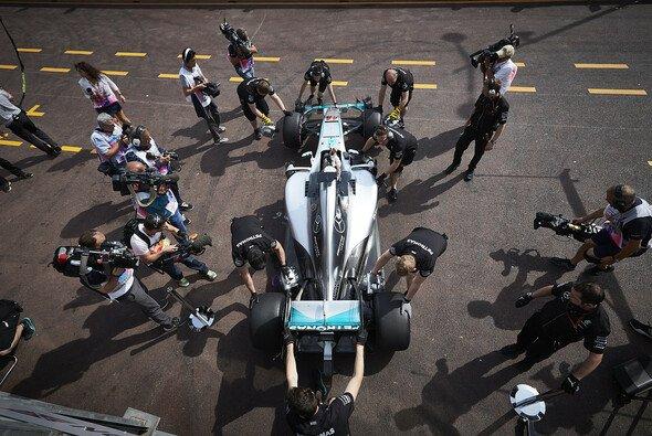 Lewis Hamilton hat im Monaco-Qualifying einen strategischen Vorteil - Foto: Mercedes-Benz