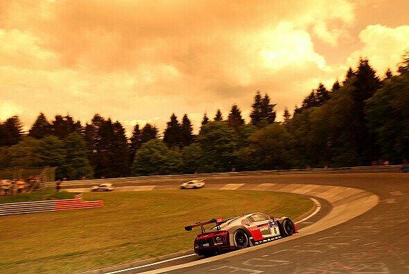 Das Top-30-Qualifying findet in der Abend-Dämmerung am Freitag statt - Foto: Audi