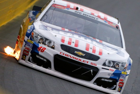 Jimmie Johnson in der Verfolgerrolle - Foto: NASCAR