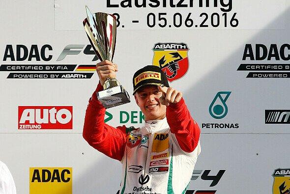 Mick Schumacher gewann zwei Rennen in der Lausitz - Foto: ADAC Formel 4