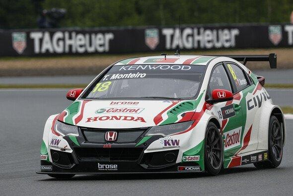 Bei seinem Heimrennen sicherte sich Monteiro den Sieg - Foto: WTCC