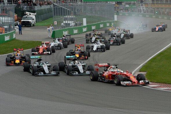 Die Formel 1 trat am Sonntagabend gegen König Fußball an - Foto: Ferrari