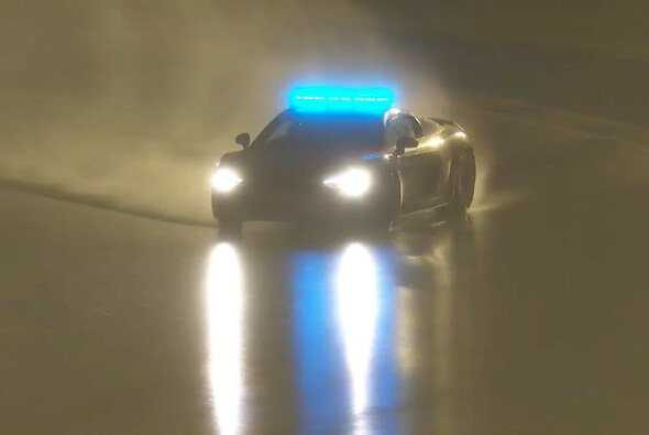Safety Car Fahrer Yannick Dalmas begeisterte mit seinem Drift in Le Mans - Foto: Youtube/Screenshot