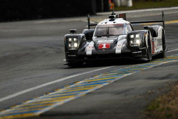Porsche steht beim Klassiker auf Pole - Foto: Porsche