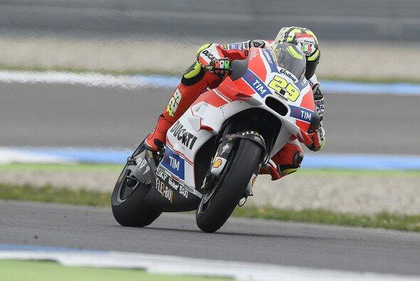 Andrea Iannone gelang vor dem Regen im Warm-Up die schnellste Zeit - Foto: Ducati