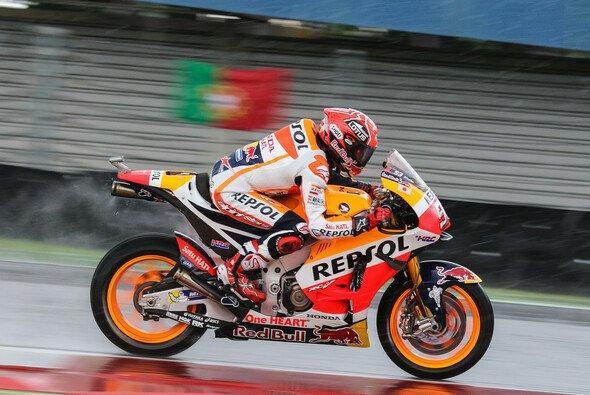 Marc Marquez war im Regen der Konkurrenz weit voraus - Foto: Tobias Linke