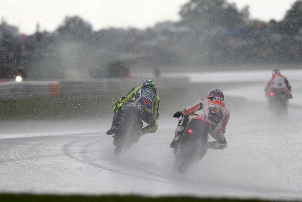 Die Hondas konnten im Regen am Kurvenausgang voll mithalten - Foto: Milagro