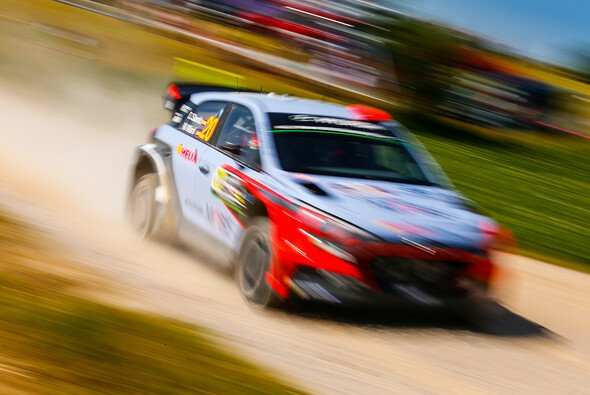 Dani Sordo bei der Rallye Sardinien - Foto: Hyundai