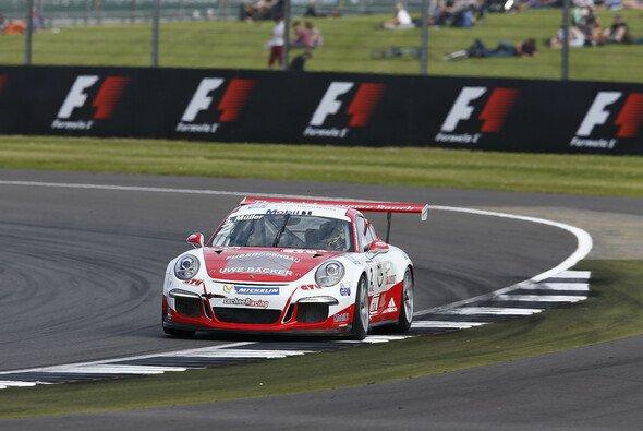 Sven Müller setzte sich gegen seine Junioren-Kollegen durch - Foto: Porsche