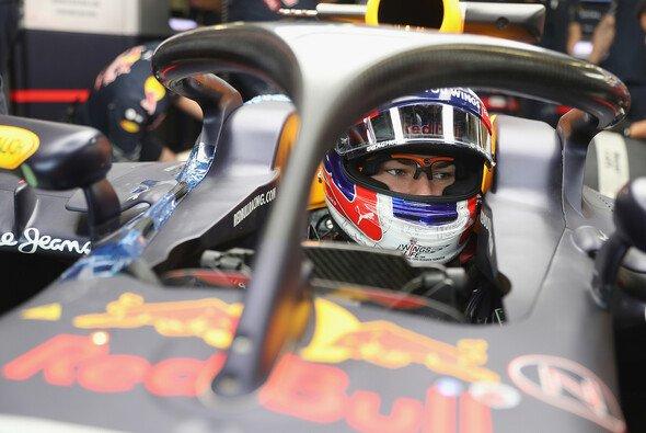 Red Bull rückte beim Silverstone-Test mit Brillenkamera und Halo aus - Foto: Red Bull