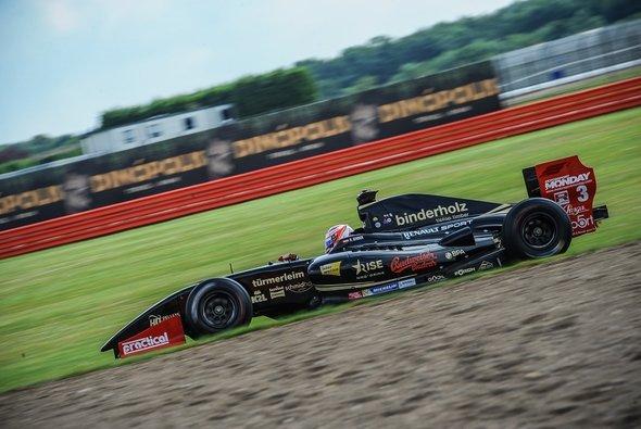 Rene Binder: Starke Leistung in Silverstone - Foto: Lotus 3.5
