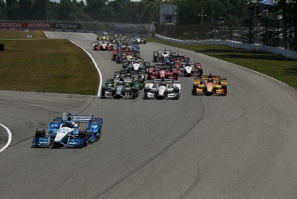 Am Wochenende startet die IndyCar-Serie in ihre Saison 2017 - Foto: IndyCar