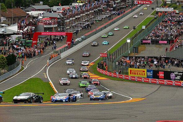 Auch 2017 geht in Spa wieder ein großes GT3-Feld beim 24-Stunden-Rennen an den Start - Foto: Guenter Kortmann